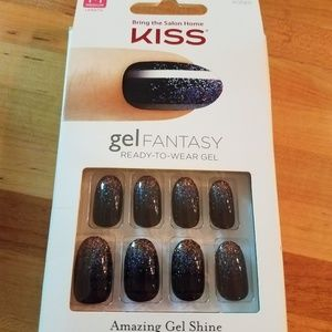 Kiss navy nails with glitter design